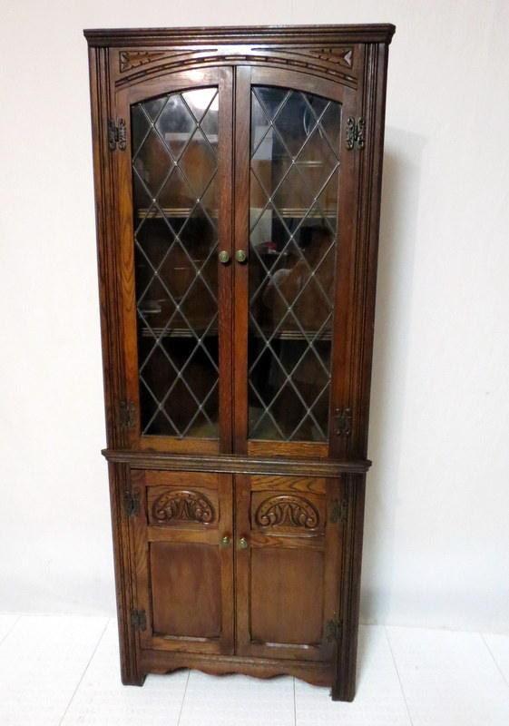 antique edwardian gothic carved golden oak corner cabinet china display curio cupboard leaded. Black Bedroom Furniture Sets. Home Design Ideas