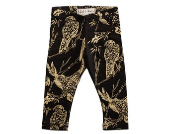 Birds of Prey Leggings in Gold on Black