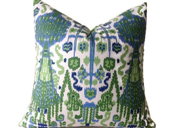 Etsy Green Throw Pillow : Items similar to Green Symmetrical Design Pillow Cover, Throw Pillows, Decorative Throw Pillow ...