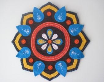 PDF PATTERN: Mandala Penny Rug Wool Applique sewing tutorial - Indian Henna inspired felt DIY Decoration - Holiday accessory