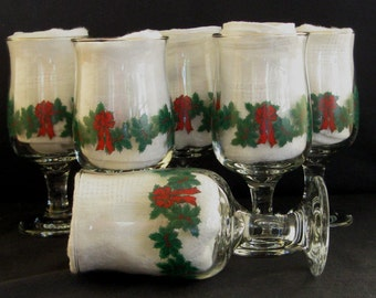 Libbey Gold Trimmed Water Goblets Holly & Berry Garland with Red Bows (Set of Six)