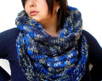 Bulky Blue Cowl Hand KnitWoman Trendy Warm  Merino Wool  Cowl NEW