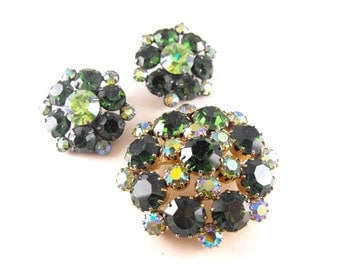 Signed Kramer Brooch Earrings To Match Green Aurora Borealis Rhinestone Jewelry Vintage Sparklers