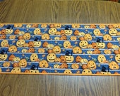 Table Runner, Halloween, Fall, Autumn, Autumn Leaves, Pumpkins, Halloween decorations,