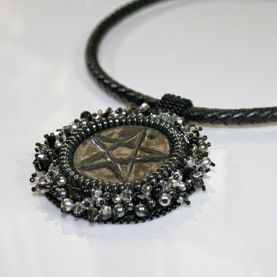 Pentagram necklace - Black necklace - Bead embroidered necklace