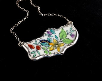 Broken China Jewelry: Spode New Stone Free Form Necklace