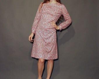 Spring Sale Vntg 60s paisley small pink paisley print long sleeve high collar knee length shift dress