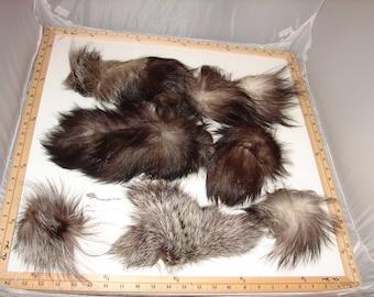 Sc-441 Craft Supply Genuine Silver Fox Tail Pelt Remnants Pieces Scrap