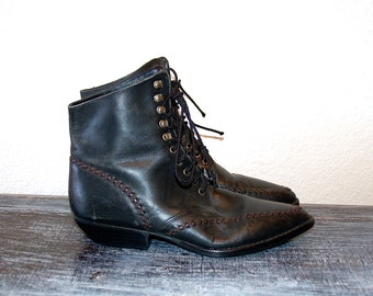 Gorgeous Witchy Black Leather Pointy Toe Lace Up Ankle Boots // Women's 5.5 6
