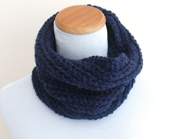 THE CAELUM Cowl, Chunky Cowl, Neckwarmer Cowl, Crochet Cowl, Wool Blend / Denim