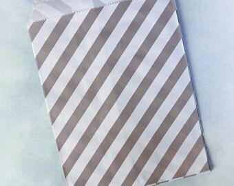 10 brown paper bags (stripe)