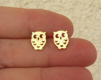 gold Owl stud earrings ,mini tiny  Gold Post Earrings-  Owl 10 mm