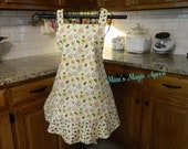 Vintage Inspired Apron / Cream with Bees, Womens Full Size Apron / Retro Apron