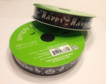 9 feet of black with white Happy Haunting ribbon, 5/8 inches wide (BR3)