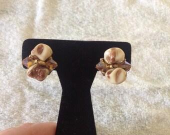 Vintage Goldtone Tan Beaded Clip On Earrings, 1'' Diameter