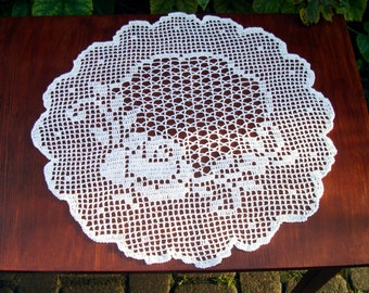 ON SALE White round lace doily, Filet crochet Rose table topper, wedding Table center, floral tablecloth, handmade Table runner