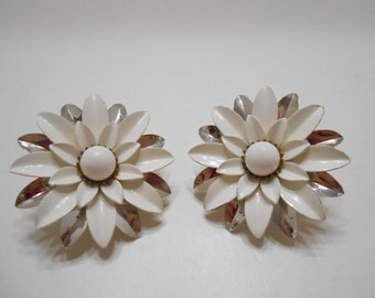 """Vintage """"New Summer Magic"""" Clip Earrings (3384) Sarah Coventry"""