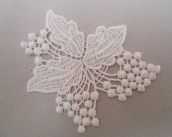 Lace wall lamp white with 6 cms for your creations.