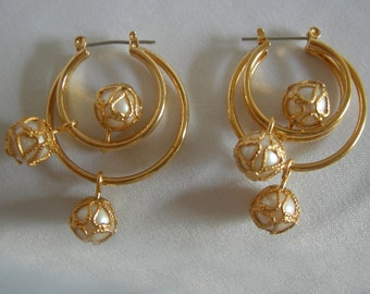 Pearl and Gold Hoop Earrings | Gold Tone Setting | Vintage