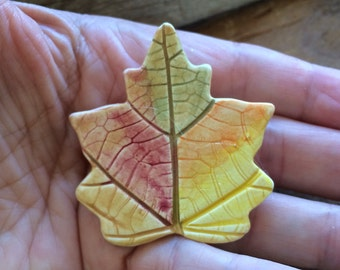 Autumn jewelry, Leaf pin, Leaf brooch, Leaf Jewelry, handmade Pottery, Thanksgiving gift, teacher pin, autumn leaf pin, Hand Painted
