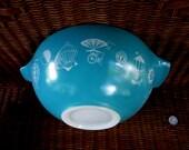 pyrex BALLOON turquoise cinderella RARE large bowl