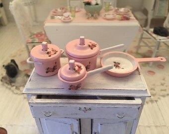 Free Shipping to the US - Shabby chic dollhouse metal cookware set