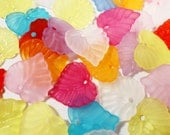 Acrylic Leaf Charms 15x14mm Assorted Mixed Colors Multicolor Frosted Matte Plastic Lucite Leaf Charm Nature Pendant Jewelry Making 30pcs
