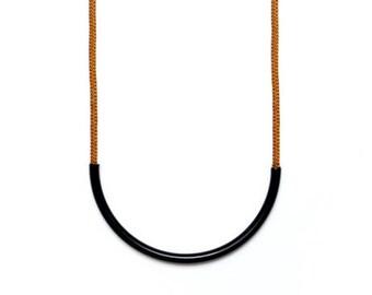 The Black Standard Necklace - Sienna