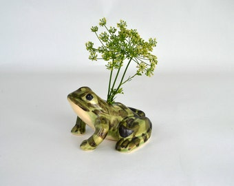 Vintage Ceramic Frog Flower Frog ~ Ceramic Frog Figurine ~ Floral Arranger ~ Flower Holder ~ Collectible