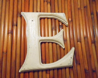 """Vintage Gerber St. Louis Plastic Molded 7 Inch Letter """"E"""" Indoor Outdoor Thick Wood Grain Paintable For Nursery, Business, Monogram Wreaths"""