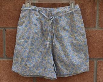 Floral shorts // high waist shorts // vintage shorts
