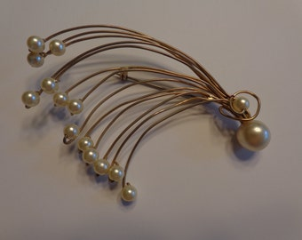 Amazing Mid Century Modern Pearl Spray Pin. Yellow Metal. 1950's. FREE SHIPPING! Expert packaging! BUY today!