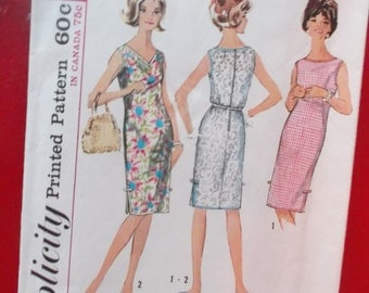 Size 14 and 16 (Medium) One Piece Shift Dress Sleeveless Vintage Simplicity 5504