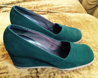 70s Forest Green Suede Wedges