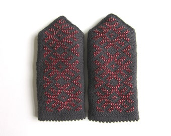 Wool Mittens Black Knit Mittens Knit Mittens With Beads Double Mittens  Warm Mittens Womens Mittens Scandinavian mittens Beaded mittens