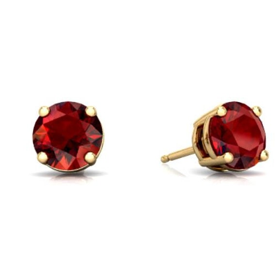 14kt yellow gold garnet stud earrings