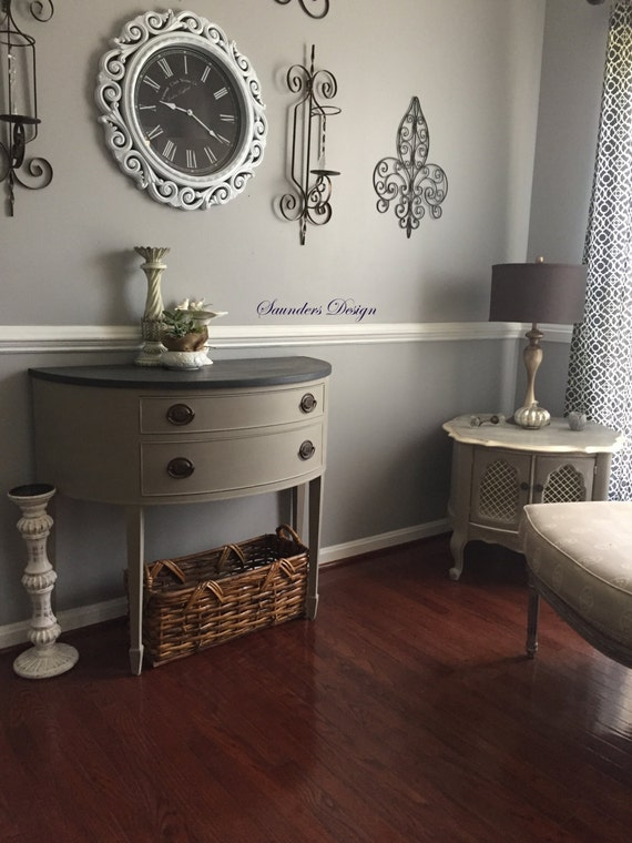 Chic Federal Style Console Table