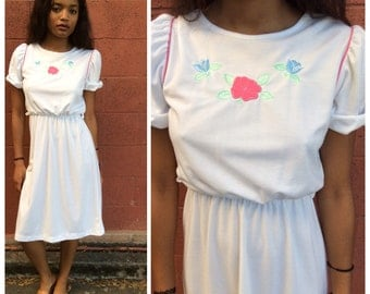 70's/80's white cotton day dress with flowers