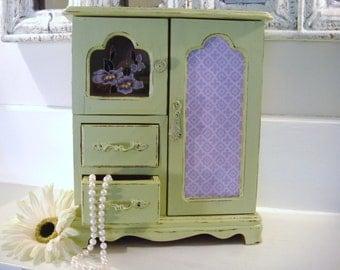Girls jewelry box, green jewelry box, wood jewelry box, painted jewelry box,  vintage jewelry box, shabby chic decor