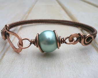 Blue Shell Pearl Bangle - Wire Wrapped Jewellery Handmade - Copper Jewellery - Shell Pearl Bracelet