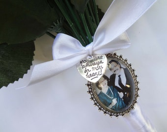 Custom Wedding Bouquet Photo Memory Charm Bridal Party Gift Keepsake Momento with 'You are always in my heart' charm