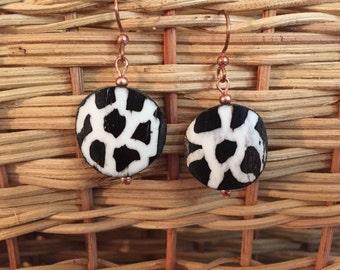Afrocentric Jewelry - Giraffe Print Batk Bone Earrings