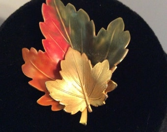 Double leaf brooch 2 -1/2x 2 in
