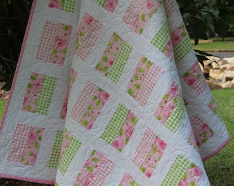 Simple Chic Quilt Pattern- Easy Pattern, Tutorial, Printed Quilt Pattern