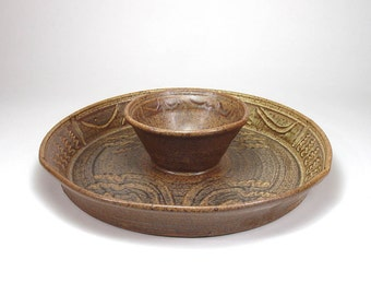 Stoneware Pottery Serving Plate Chip and Salsa Dip Bowl Ceramic Vegetable Platter Tray