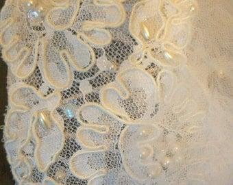 Vintage White Wedding Veil