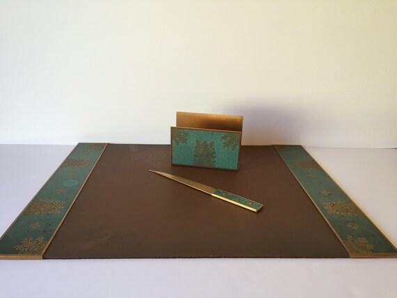 vintage desk accessories desk blotter mail holder letter. Black Bedroom Furniture Sets. Home Design Ideas