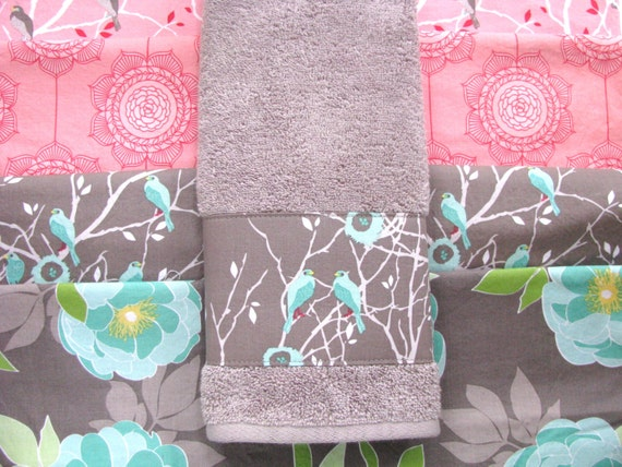 Grey aqua pink towels pink and grey hand towel aqua for Pink and gray bathroom sets