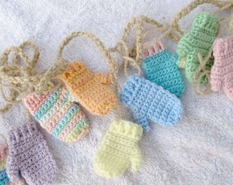 Pastel coloured mini mitten garland (5.5 ft) / Hand made mitten garland / baby mitten banner / Christmas bunting