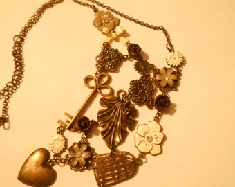 vintage ladies necklace